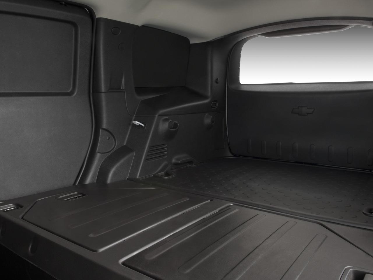 2009 chevrolet hhr panel lt chevy wagon review - Commercial van interiors locations ...