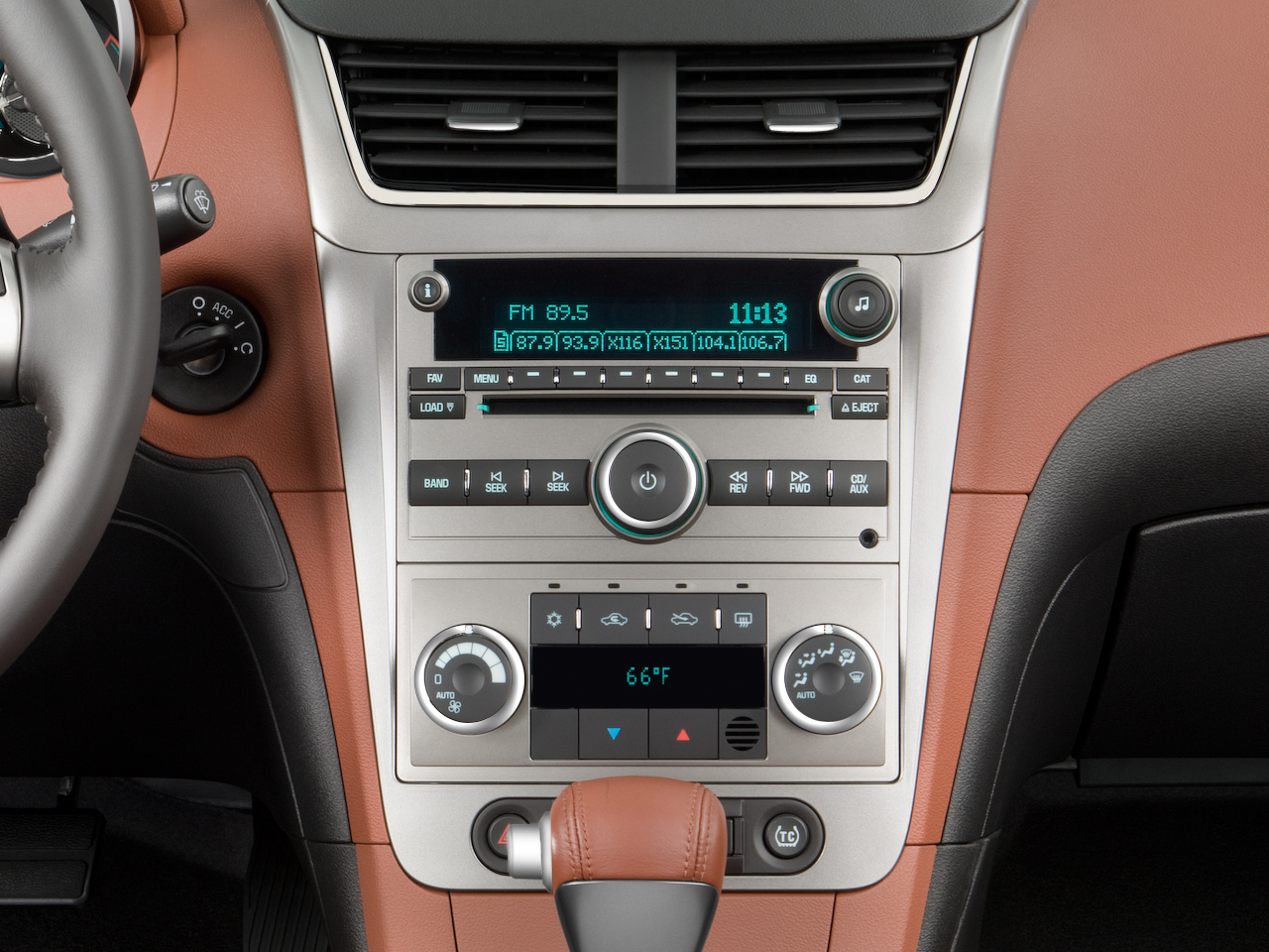 2009 chevy malibu ltz fuel efficient news car features and rh automobilemag com 2008 Chevy Malibu LT Dashboard 2008 Chevy Malibu Interior Colors