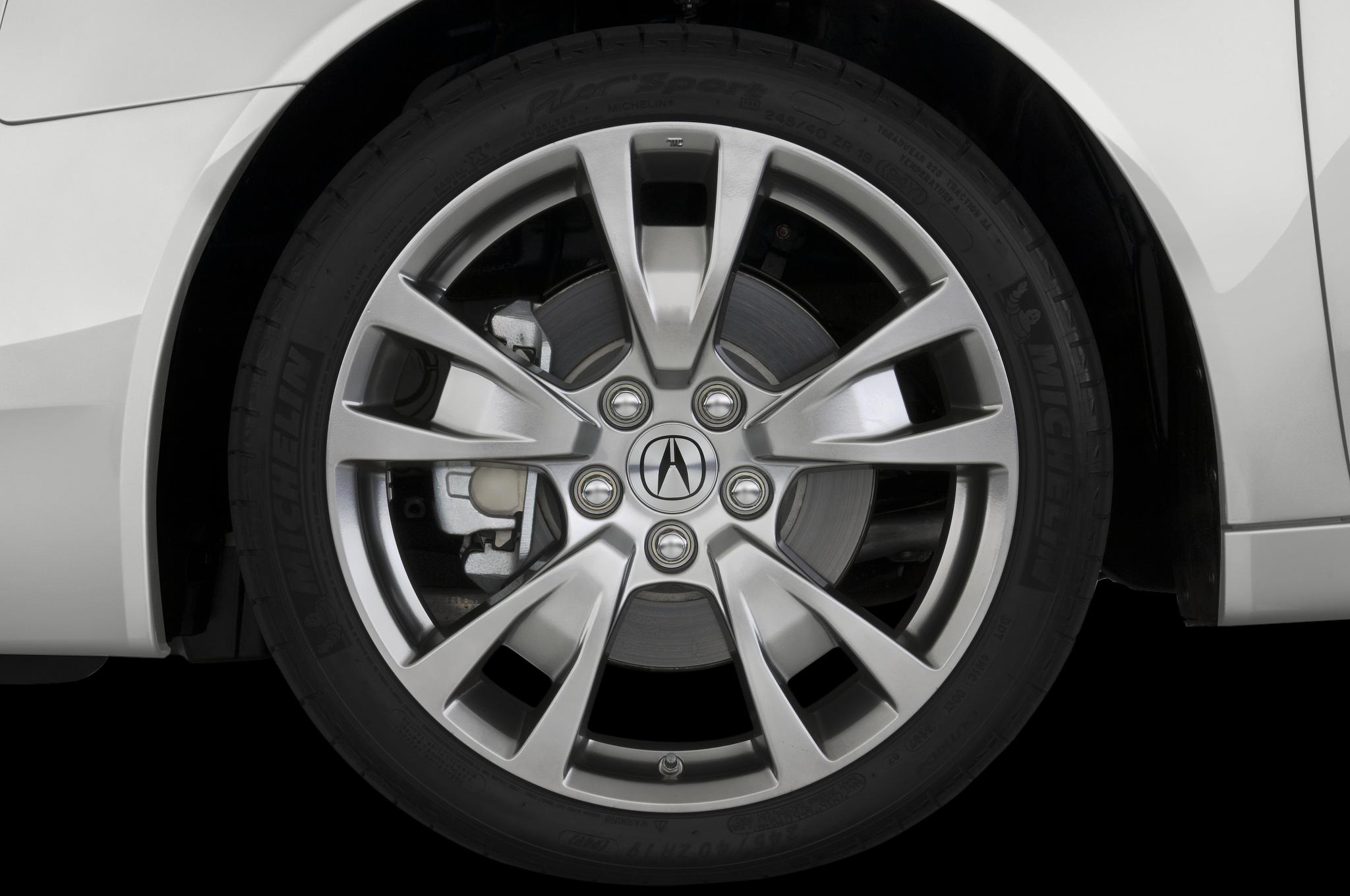 2010 acura tl sh awd 6mt acura midsize sedan review automobile rh automobilemag com 2010 Acura TL Dash Lights Acura TL Rims