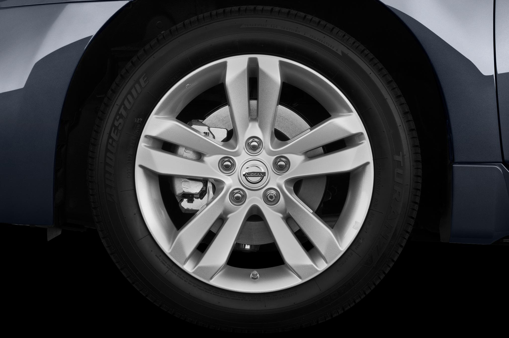 2010 nissan altima coupe 3 5 sr driven automobile magazineNissan Altima Standard Tires #6