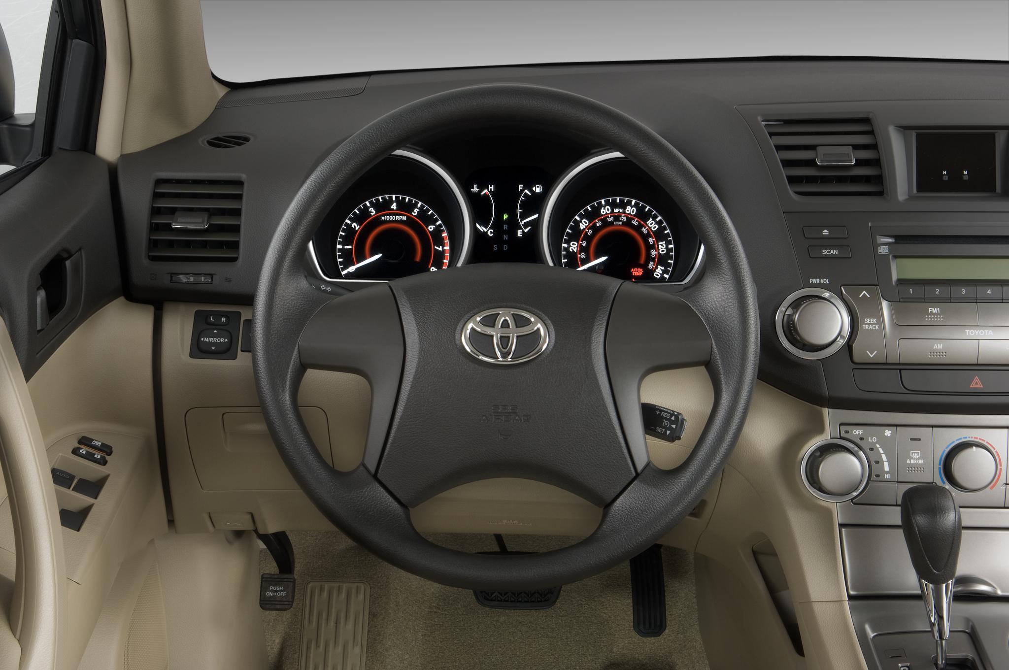 2010 Toyota Highlander Hybrid Limited - Toyota Hybrid SUV Review - Automobile Magazine