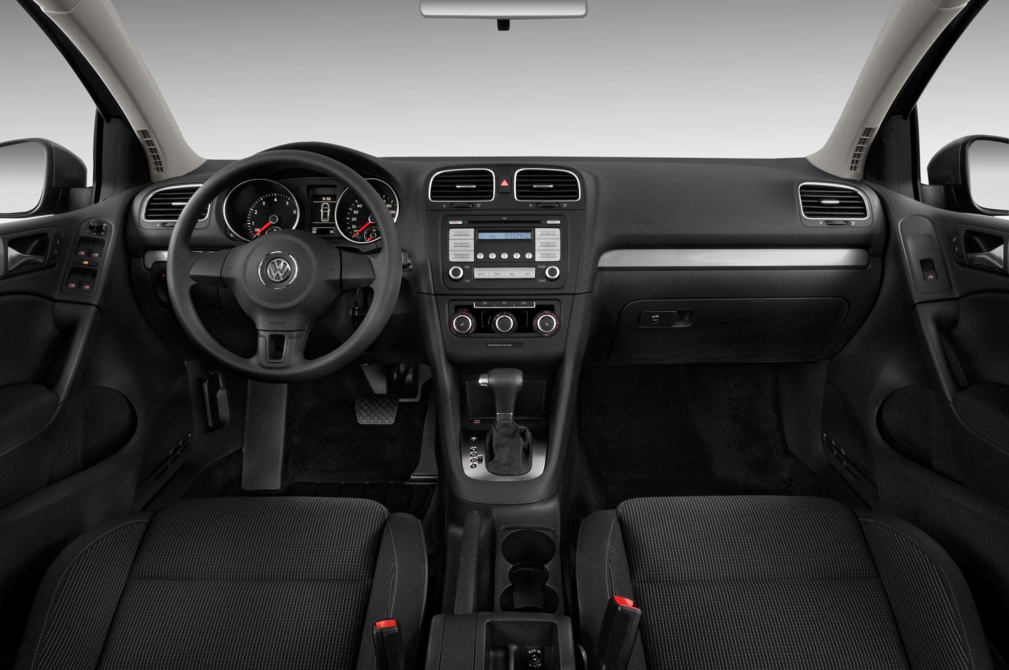 2010 Volkswagen Golf 2 Door Editors Notebook Review Automobile