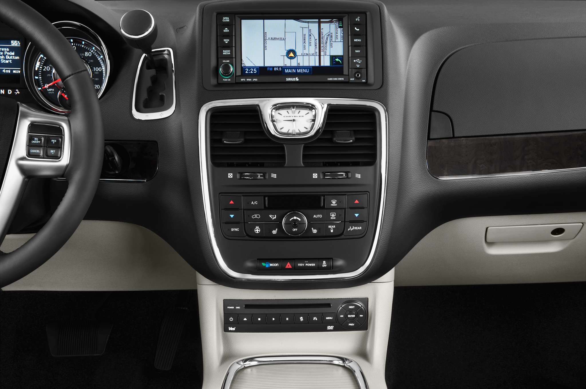 2011 chrysler town country receives new look interior and engine. Black Bedroom Furniture Sets. Home Design Ideas