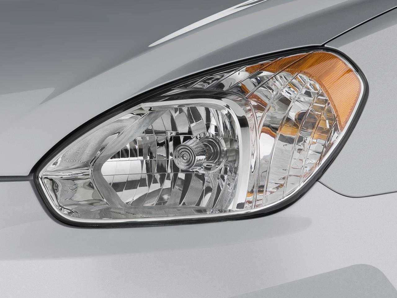 Beijing 2010 Hyundai Reveals 2011 Verna Previews Upcoming Accent 4 Door Sedan 14 50