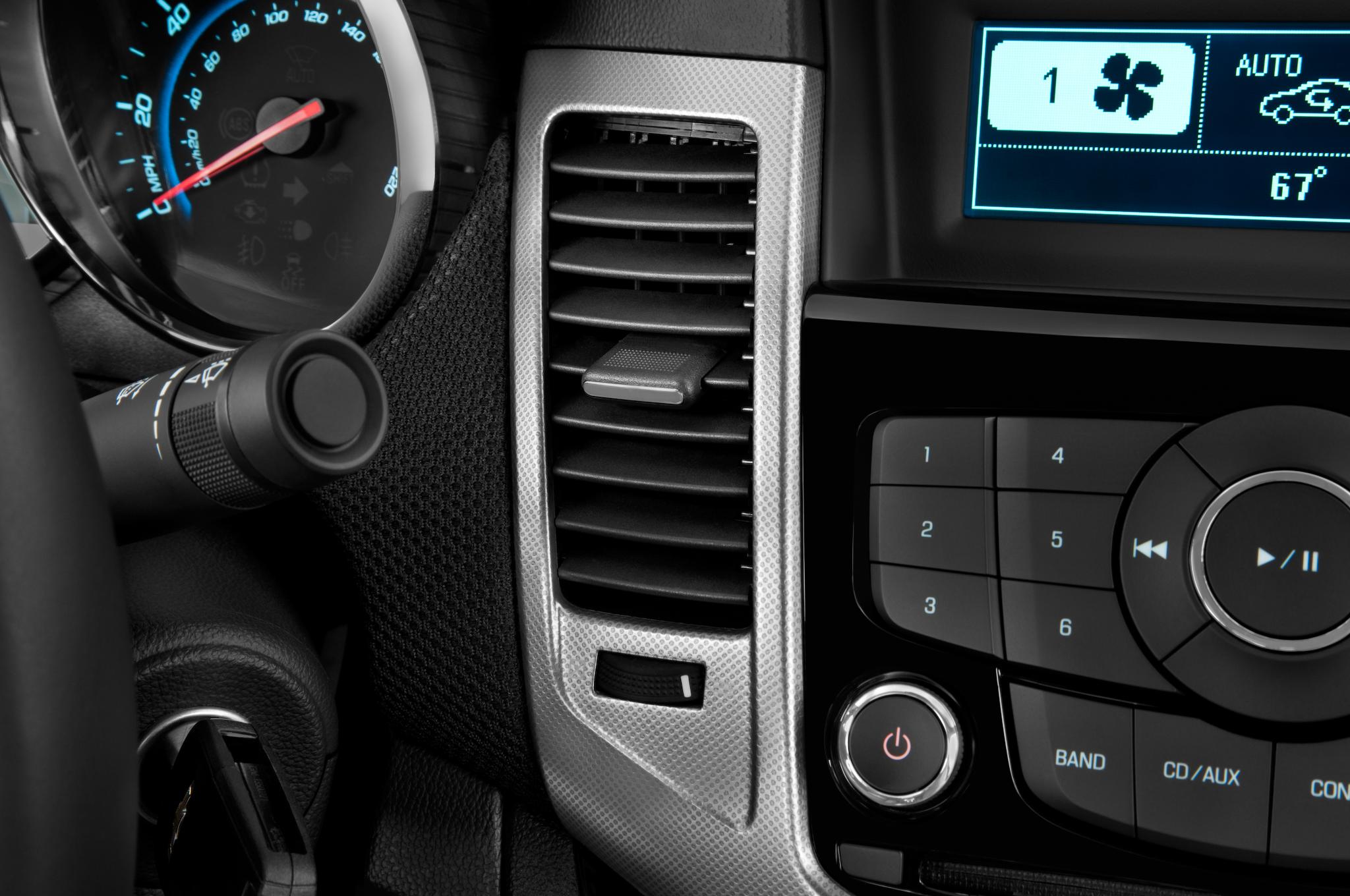 2012 Chevrolet Cruze 2LT - Editors' Notebook - Automobile