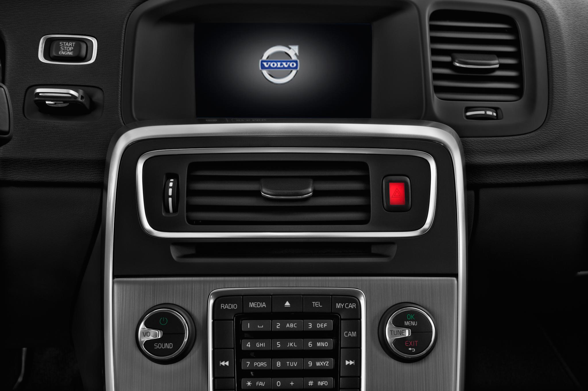 Volvo S60 Radio Removal