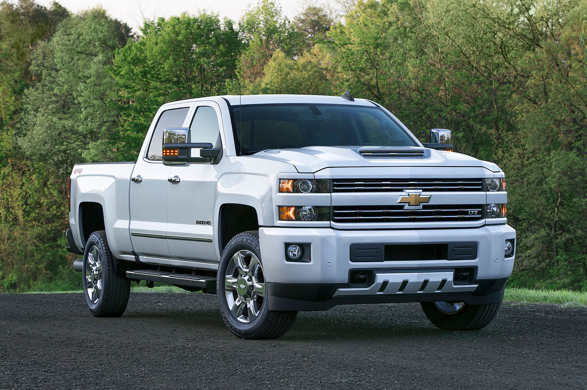 Sensational 2017 Chevrolet Silverado Hd Adds Functional Ram Air Hood Scoop Wiring 101 Akebretraxxcnl