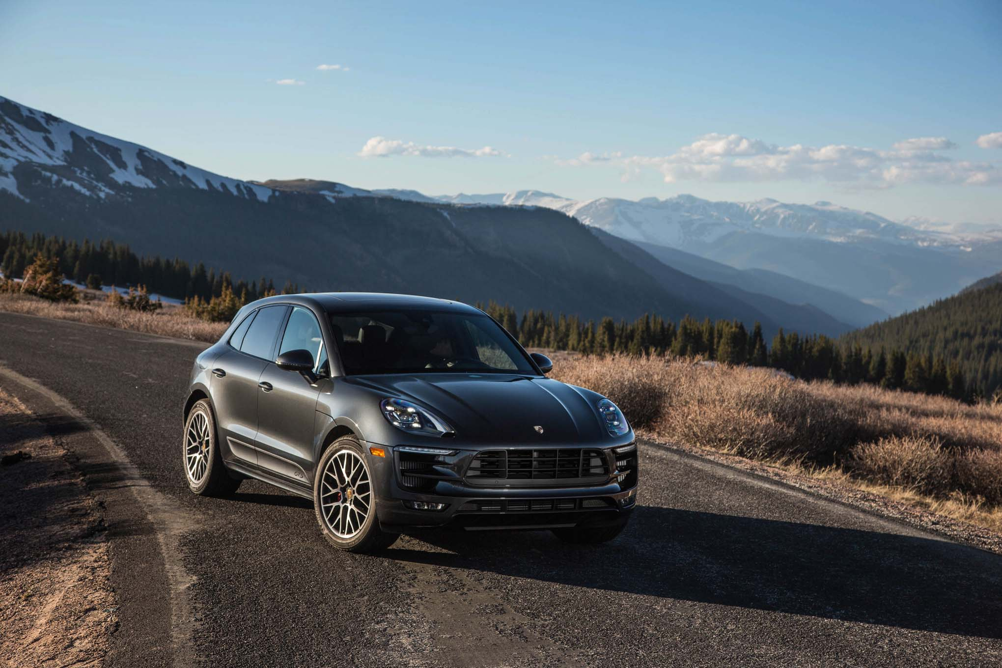 2017 Porsche Macan Adds 252-HP Turbo-Four Base Model