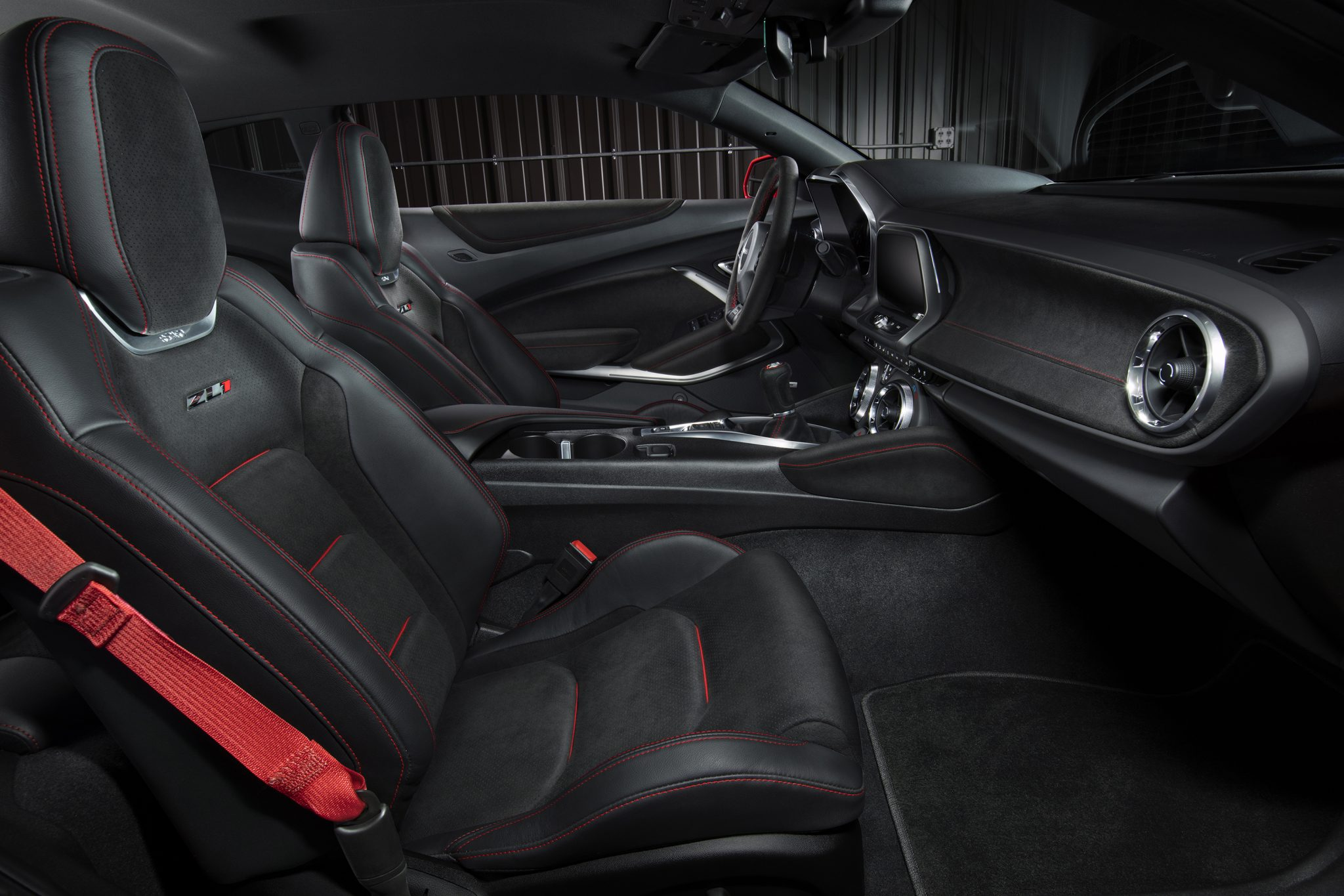 2017 Chevrolet Camaro Zl1 On Gm Fuse Box Diagram 1964 Impala Wire Images Gallery Convertible Debuts At New York Show Rh Automobilemag Com