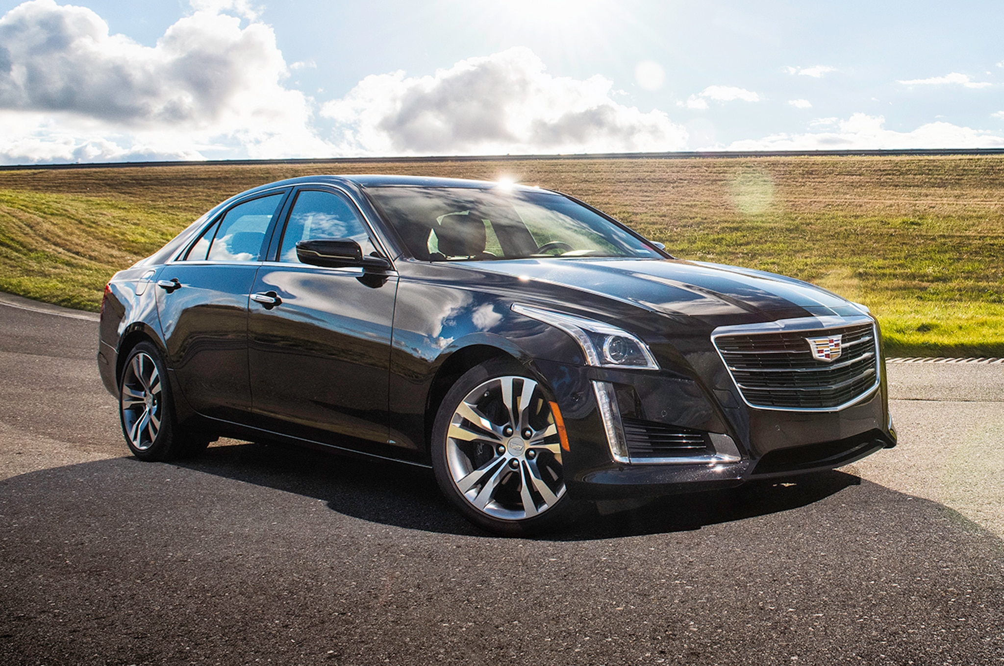 """Cadillac Announces Japan-Only """"White Edition"""" for 2017 ATS, CTS 