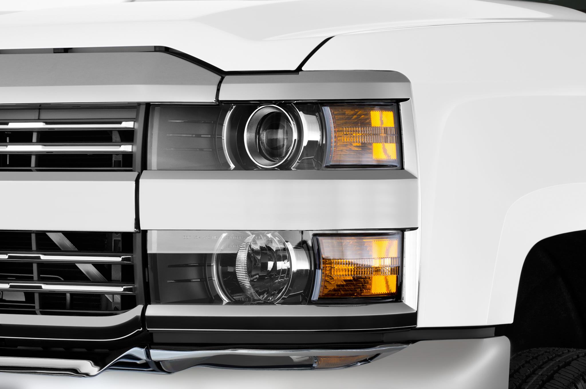 2017 Chevrolet Silverado Hd Adds Functional Ram Air Hood Scoop 2015 Chevy Fog Lights 46 116