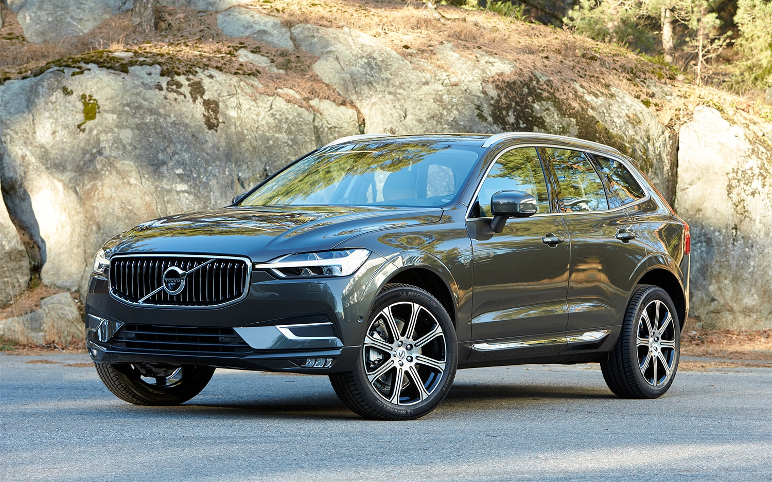 2018 volvo xc60 t6 awd first drive review automobile. Black Bedroom Furniture Sets. Home Design Ideas