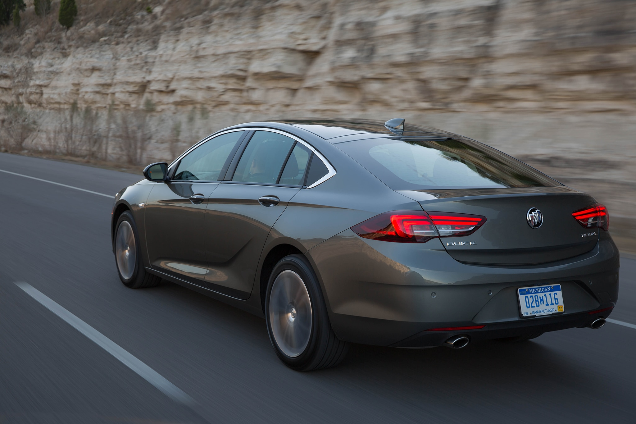 Eight Cool Things You Need to Know About the 2018 Buick Regal | Automobile Magazine