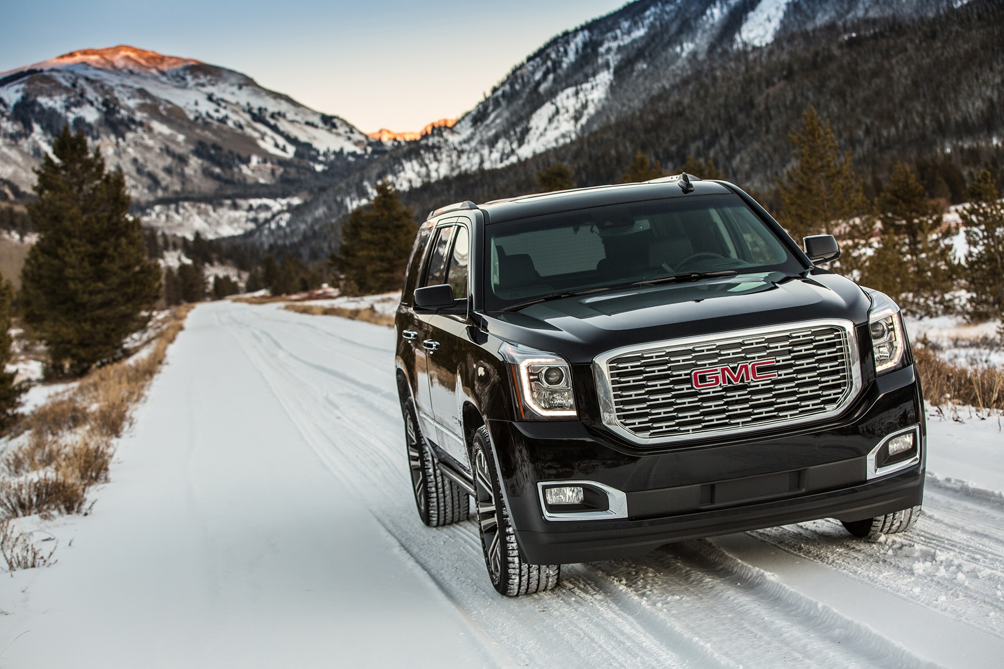 2018 GMC Yukon Denali Ultimate Black Edition Casts Its Own Shadow | Automobile Magazine