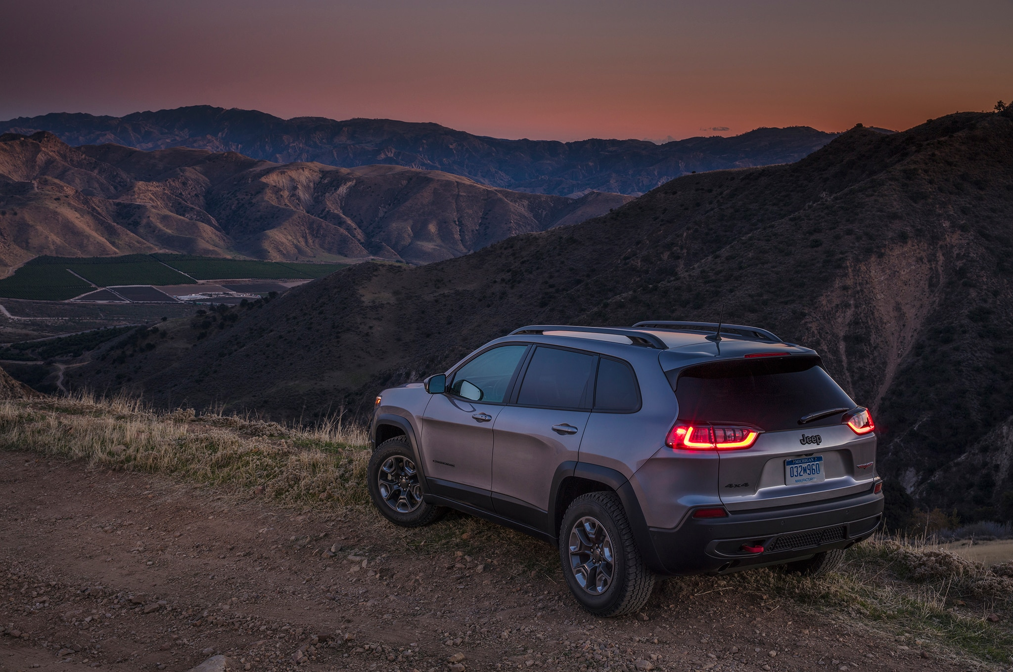 2019 Jeep Cherokee Overland 4x4 One Week Review ...