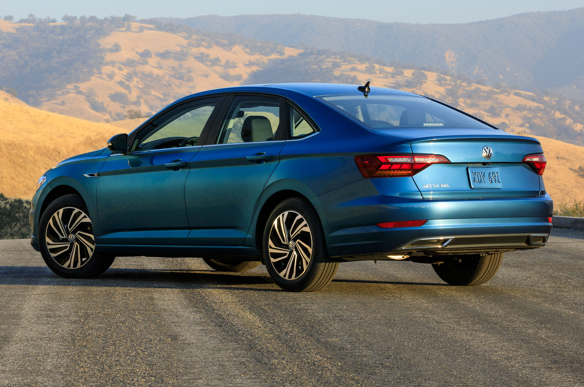2019 volkswagen jetta keeps the manual alive at 2018 detroit auto rh automobilemag com Volkswagen Jetta Manual Transmission vw touareg manual gearbox