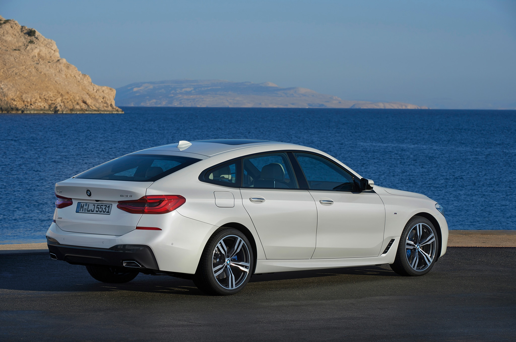 2018 Bmw 640i Xdrive Gran Turismo Picks Up Where The 5 Gt Left Off