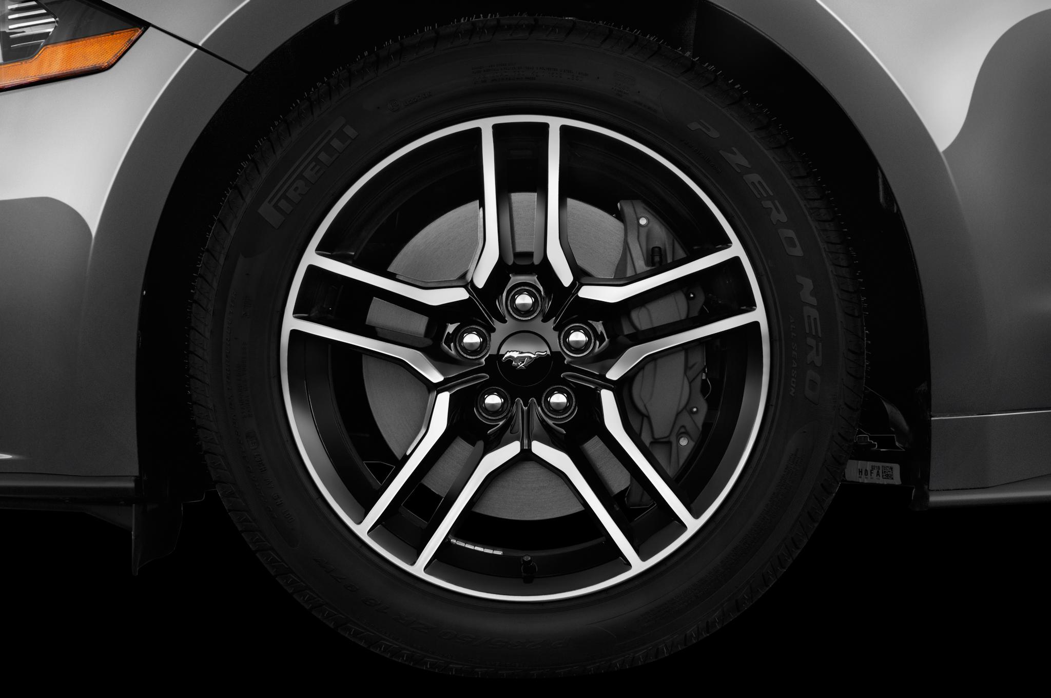Ford Mustang Gt Premium Convertible Wheel Cap