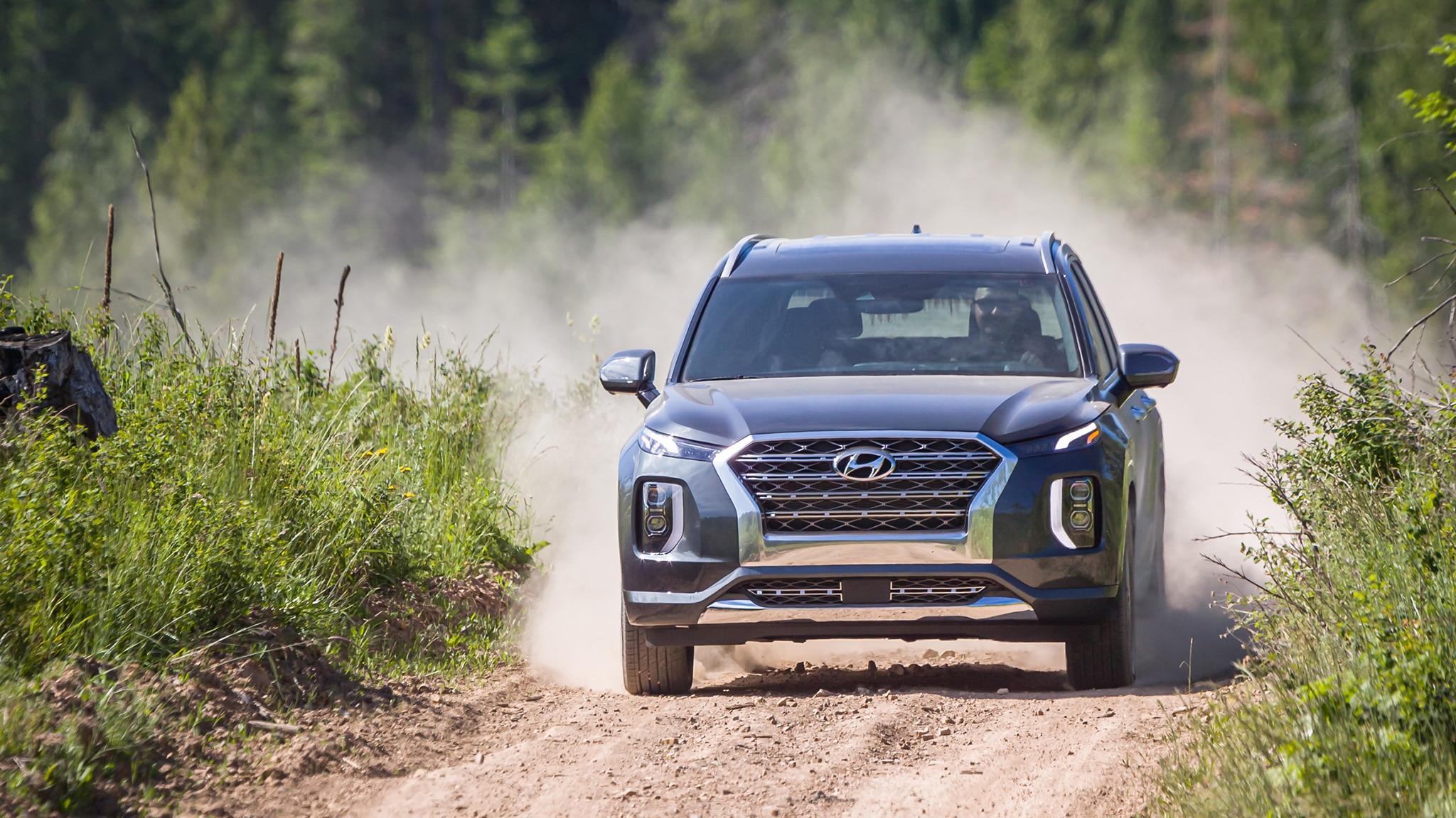 2020 Hyundai Palisade Uses Silence, Luxury Against Explorer and