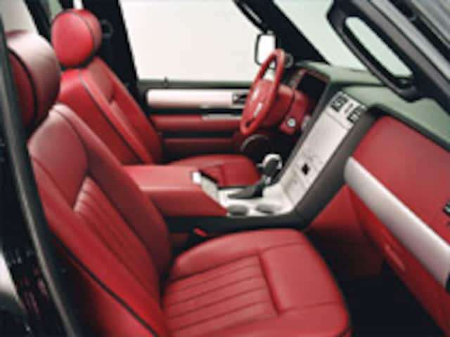 https://st.automobilemag.com/uploads/sites/11/2003/04/2003_ny-2004_lincoln_navigator_k_concept-front_interior_view.jpg?interpolation=lanczos-none&fit=around%7C640%3A400