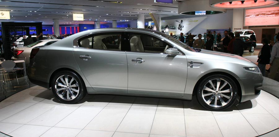 https://st.automobilemag.com/uploads/sites/11/2006/01/0601_naias_029-2007_lincoln_mks_concept-side_view2.jpg