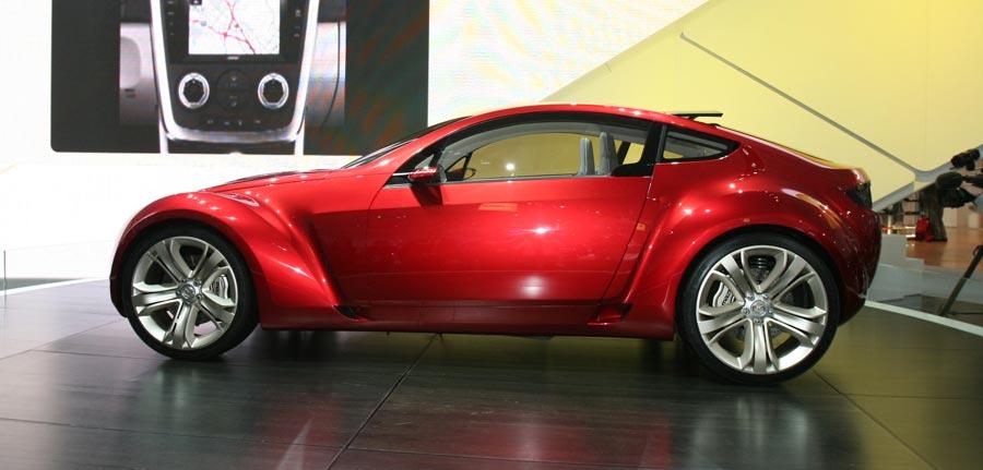 https://st.automobilemag.com/uploads/sites/11/2006/02/0602_naias_029-2006_mazda_kabura_concept-side_view1.jpg