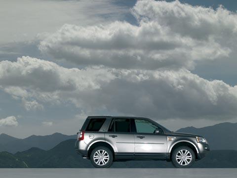 https://st.automobilemag.com/uploads/sites/11/2006/09/0609_z-2007_land_rover_LR2-side_view1.jpg