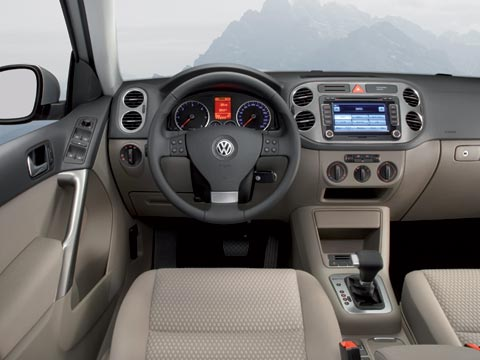 The Tiguan Also Looks Good With A Substantial Profile And Well Executed Cabin Boasting Handsome New Navigation Screen Cer Comfortable Seats Front