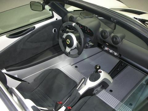 https://st.automobilemag.com/uploads/sites/11/2009/09/0909_08_z-2010_lotus_elise_club_racer-interior.jpg