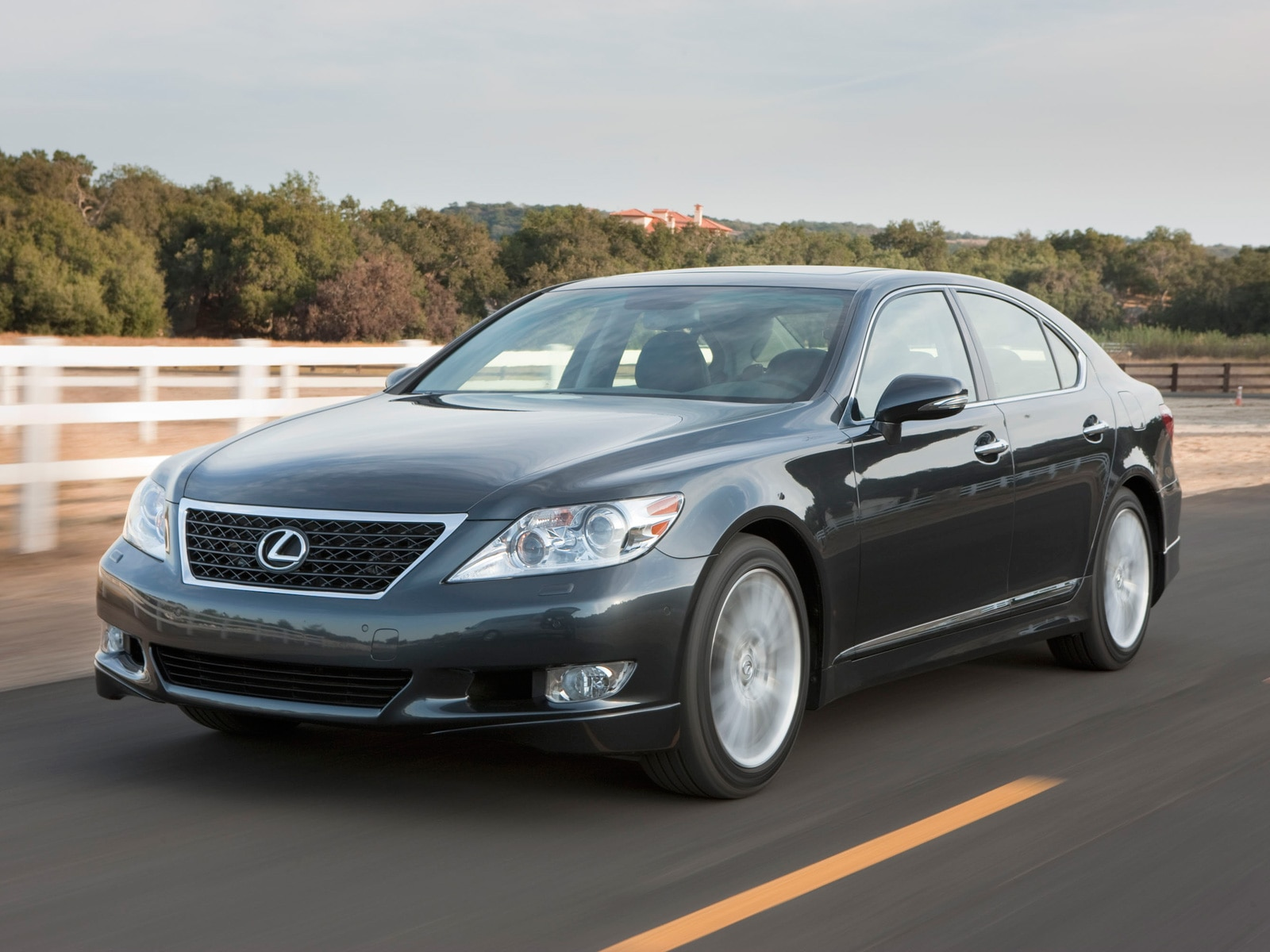 2010 Lexus LS460 Sport - Lexus Luxury Sport Sedan Review ...