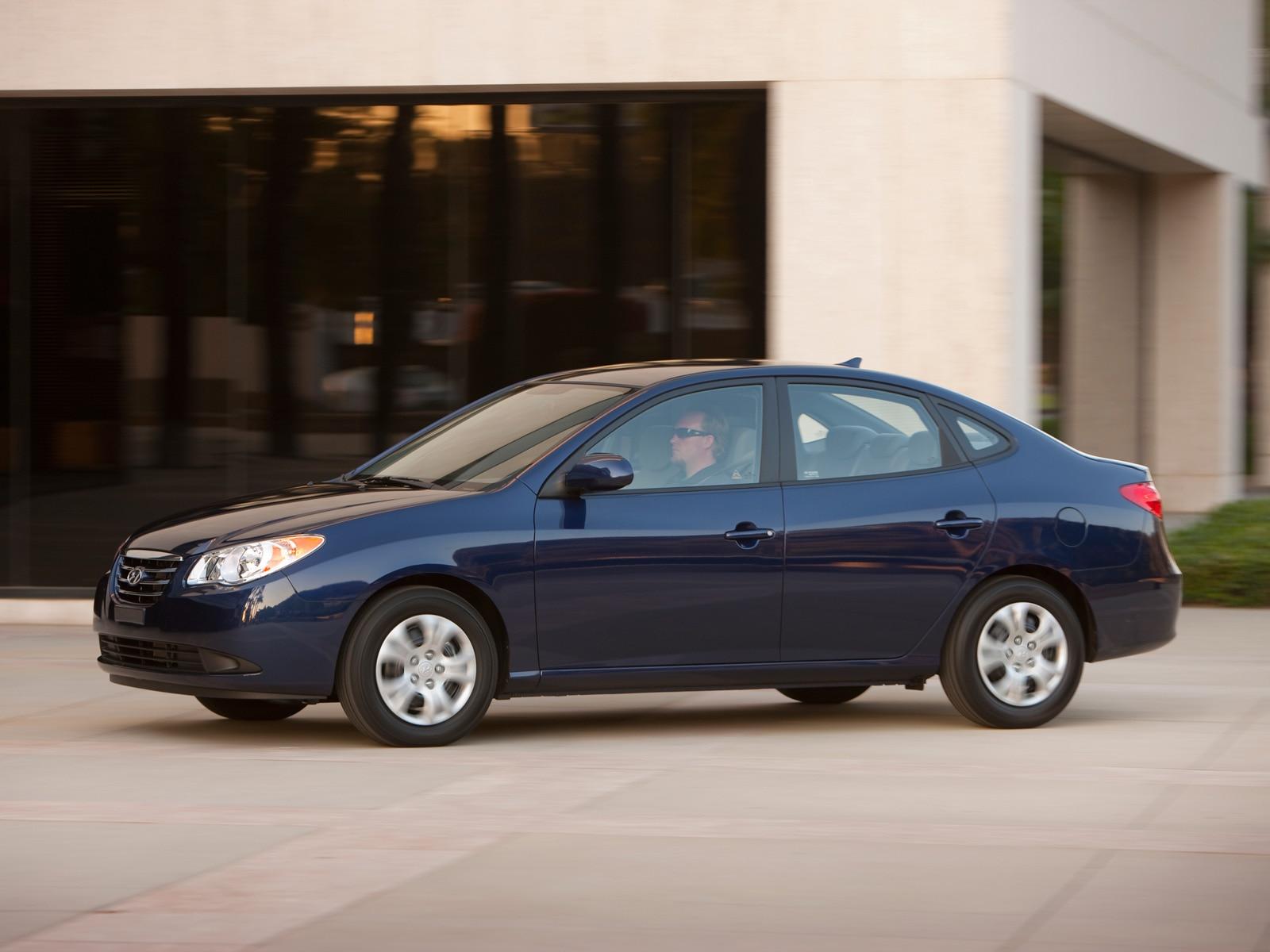 Hyundai elantra blue 2010
