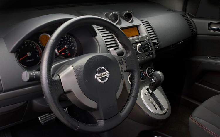 2010 Nissan Sentra Se R Nissan Compact Sedan Review Automobile