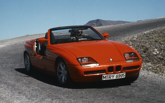1004 01 BMW Z1 Front Three Quarter View
