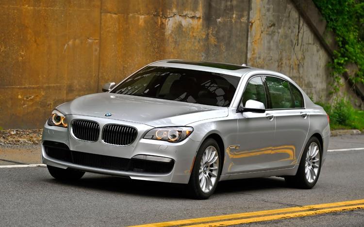 1005 02 2011 BMW 740Li Front Three Quarter View