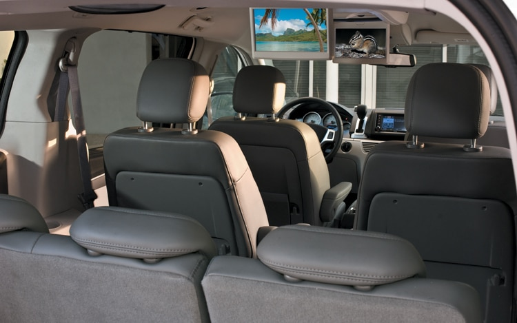 2010 volkswagen routan se volkswagen minivan review automobile the publicscrutiny Gallery