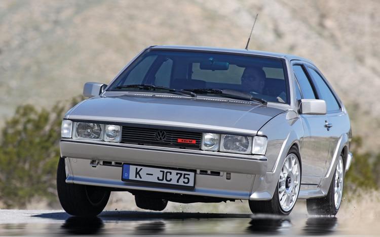 1006 01 1986 1988 Volkswagen Scirocco 16v Front Three Quarter View