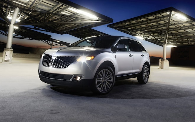 2011 Lincoln MKX Front Three Quarter 3