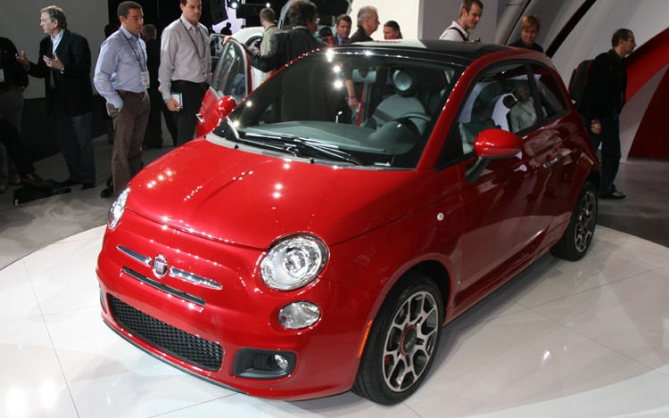 2012 Fiat 500 Drivers Side Front Three Quarters1