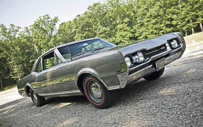 1967 Oldsmobile 442 Front Three Quarters1