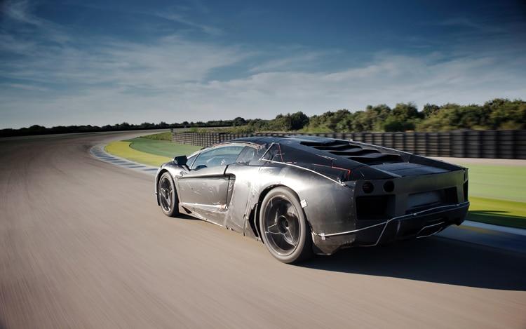 Lamborghini Aventador Rear Three Quarter2