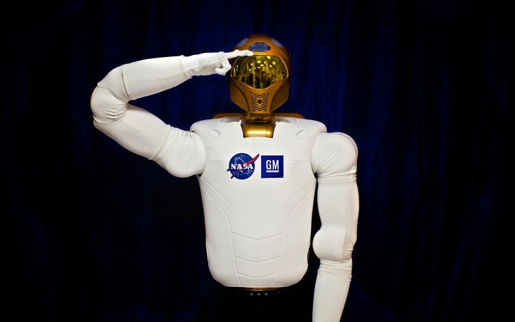 General Motors Robonaut 2 Salute