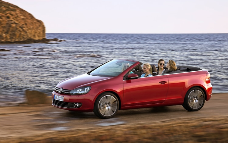 Volkswagen Golf Cabriolet Side View 21