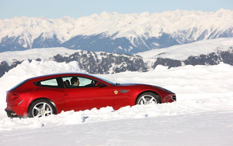 Ferrari FF Side1