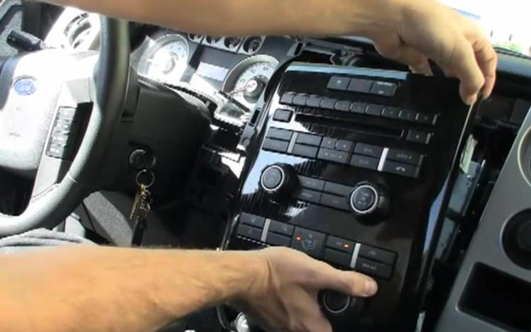 Feature Flick Apple Ipad 2 Installed Into Ford F 150 Dashboard