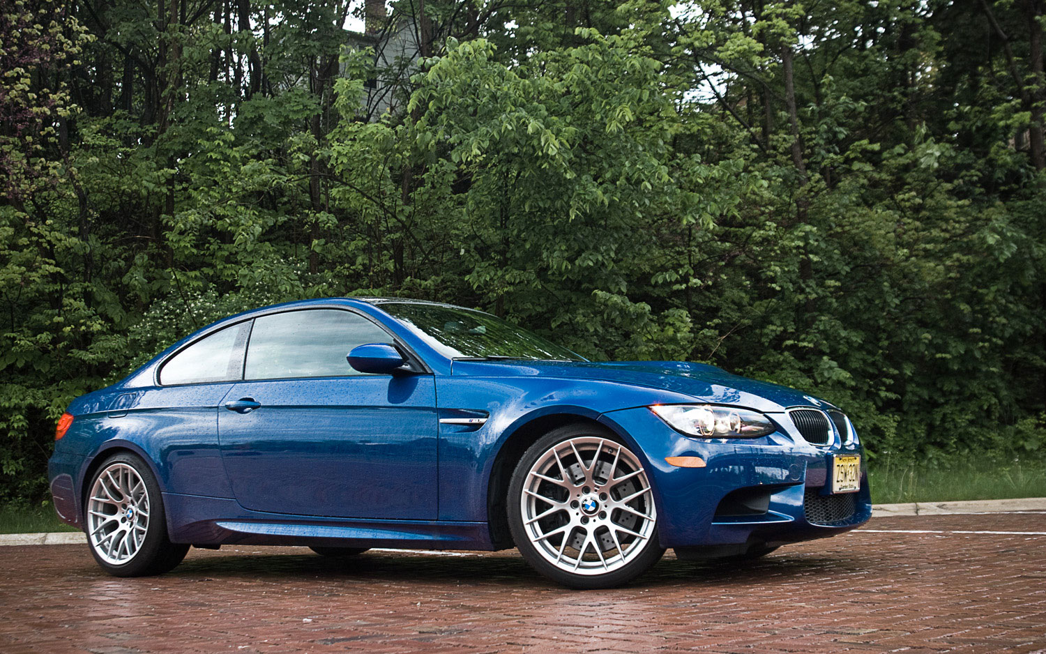 2011 bmw m3 coupe curb weight