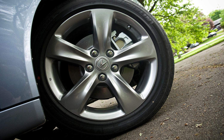 Acura TL SHAWD Tech Editors Notebook Automobile Magazine - Tires acura tl