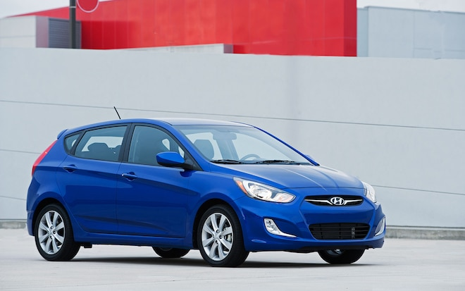 2012 Hyundai Accent Blue Front Right View Parked1