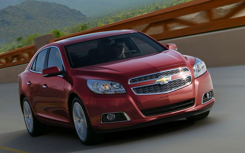 Quick Look: The 2013 Chevrolet Malibu's Interior, MyLink Voice ...