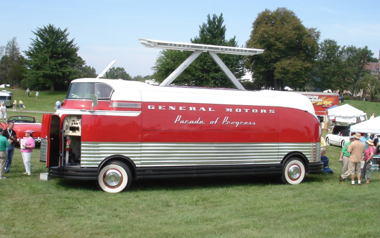 1953 GM Futurliner Side View