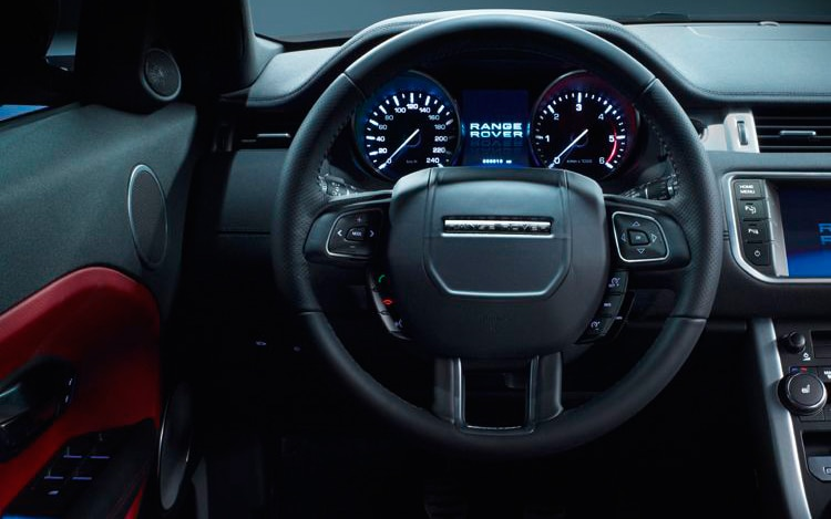 https://st.automobilemag.com/uploads/sites/11/2011/08/2012-land-rover-range-rover-evoque-five-door-dynamic-interior.jpg